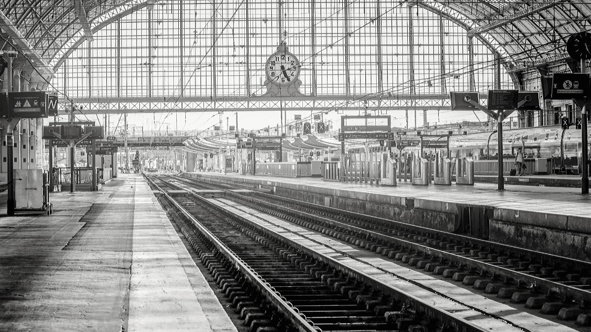 interieur de la gare de bordeaux saint jean