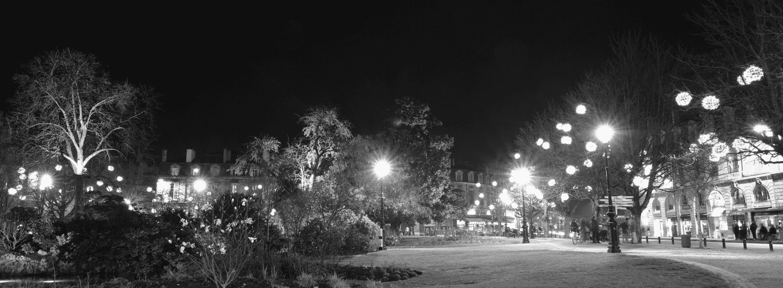 place-gambetta-de-nuit-bordeaux-business