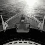pont bateau croisière sur fleuve