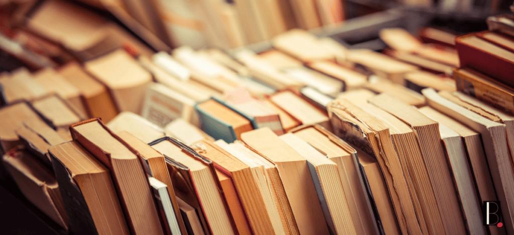 Etalage de livres anciens N'aQu'1 Oeil bordeaux business