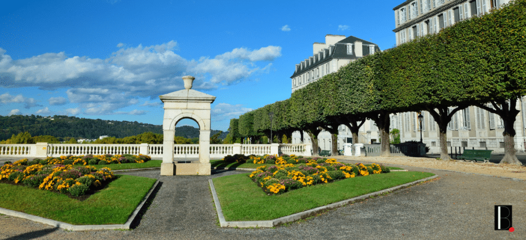 Pau Bordeaux business