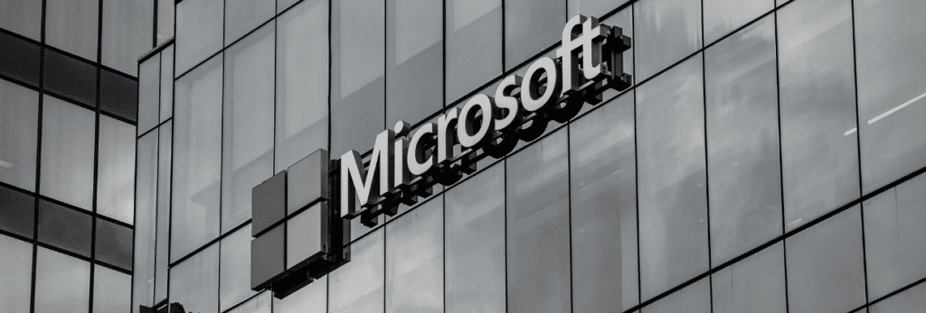 logo microsoft bâtiment en verre