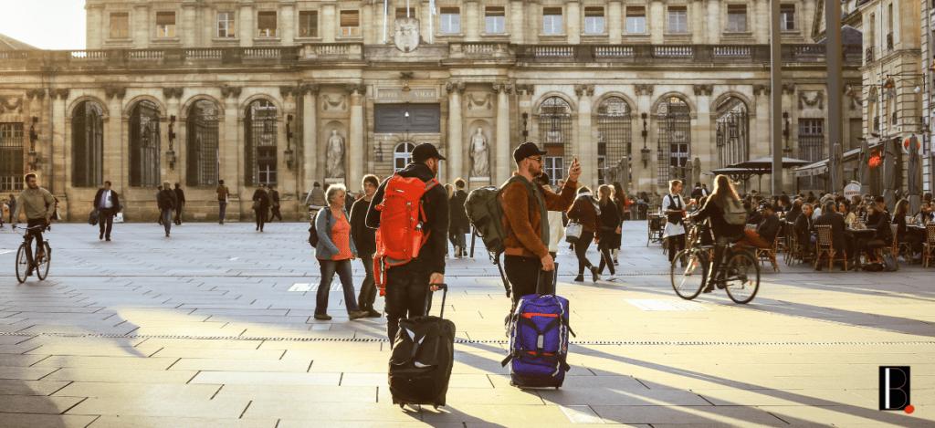 touristes valises Bordeaux Business