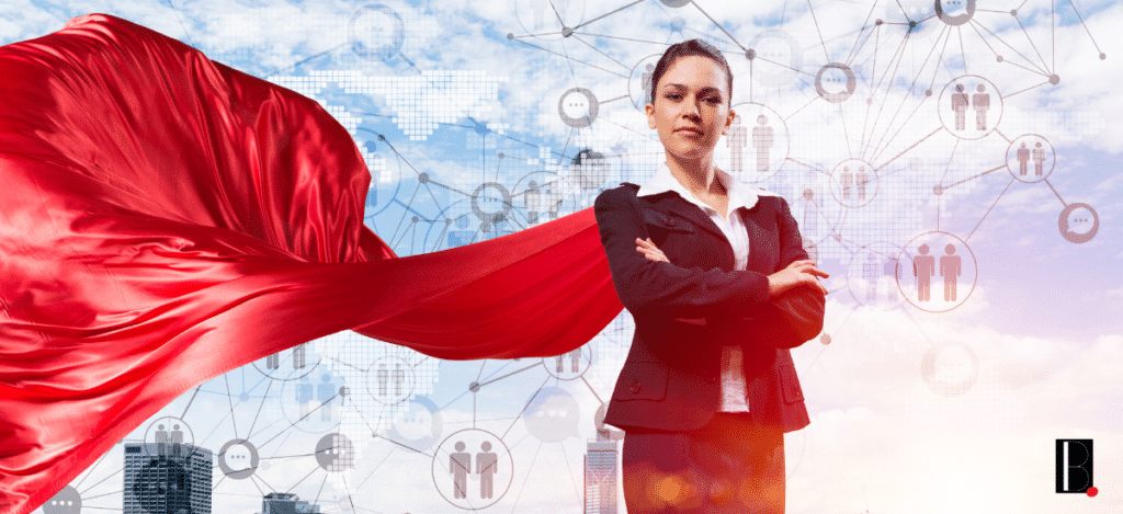 Une femme avec une cape et des supers-pouvoirs