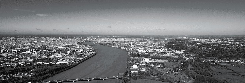 Garonne ville de Bordeaux vue aérienne