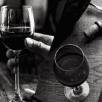 Bouteilles de vins verres et dégustation