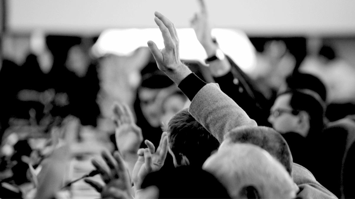 vote mains levées