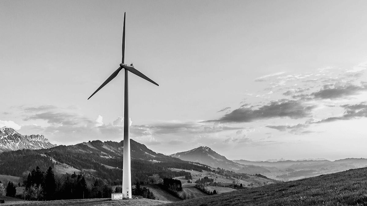 Etendue verte avec une éolienne Bordeaux Business