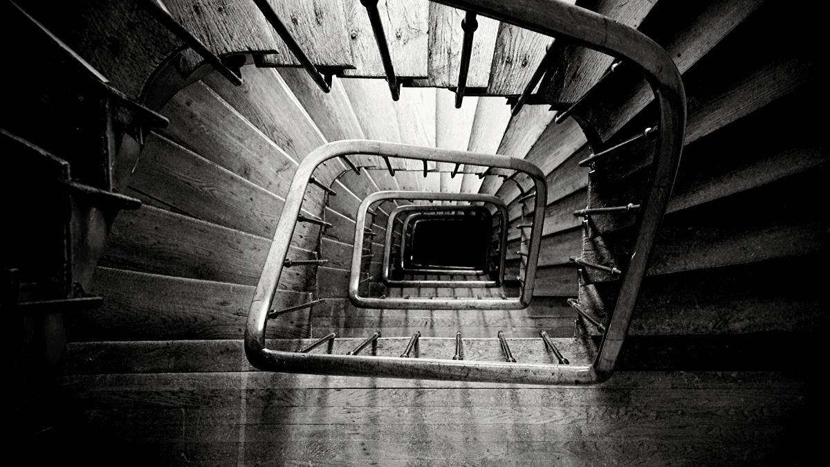 Bâtiment avec un escalier en bois BORDEAUX Business