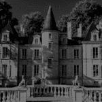Château sculpture grandes fenêtres