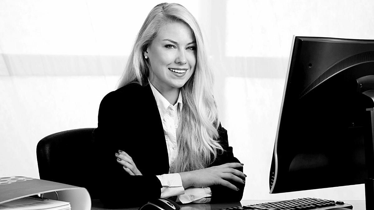 Ordinateur informatique féminin