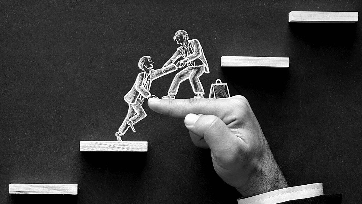 Homme aide entreprise escalier