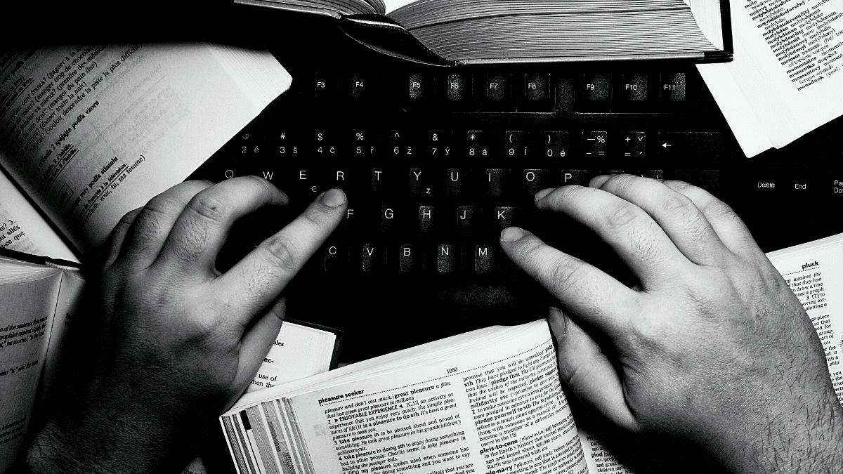 google traduction main clavier travail traducteurs