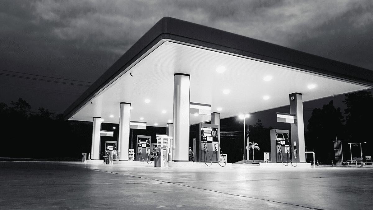 Full petrol car service stations