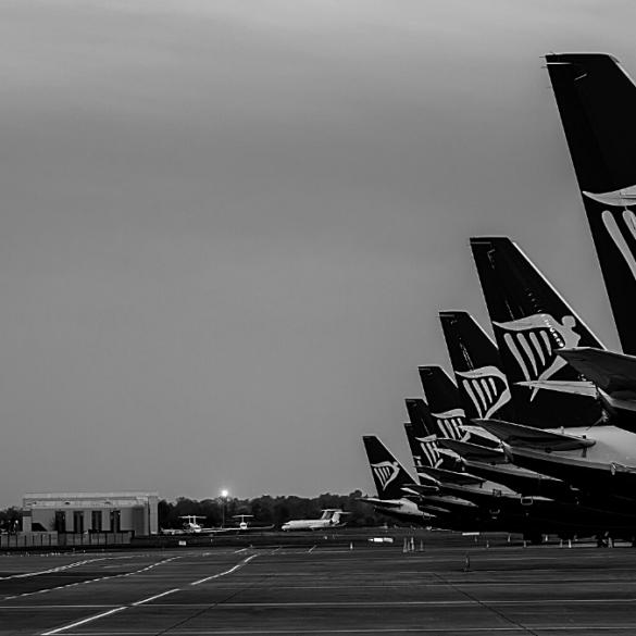 Customers planes ryanair tourism airport