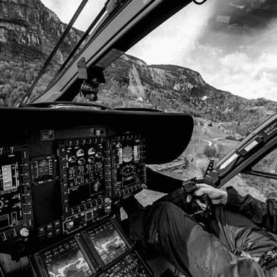 Pilot 'AMTC H135 Helionix cockpit'