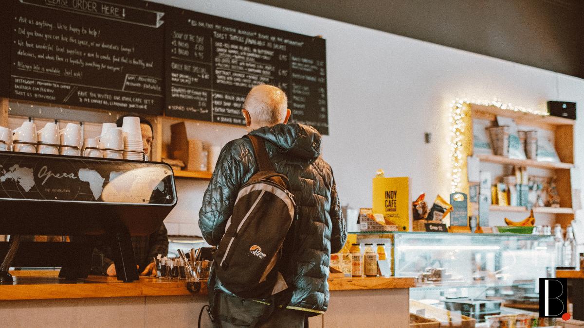 Client achat café boutique