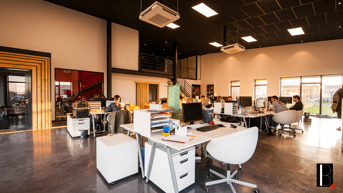 Espace collaboratif travail bureau